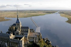 nouveau-pont-mont-st-michel-1