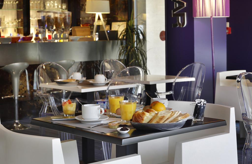 Salle de Petit-déjeuner, Altos Hotel & Spa, Avranches